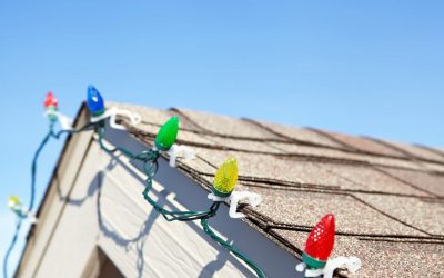 How to Safely Hang Outdoor Christmas Lights