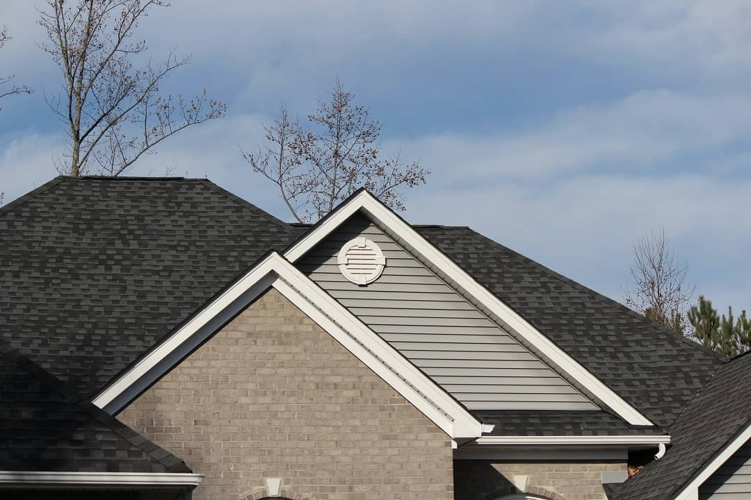 an asphalt shingle roof
