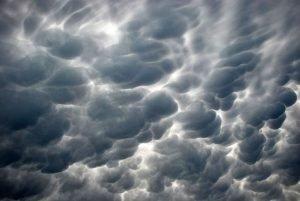 mammatus clouds, threatening severe weather